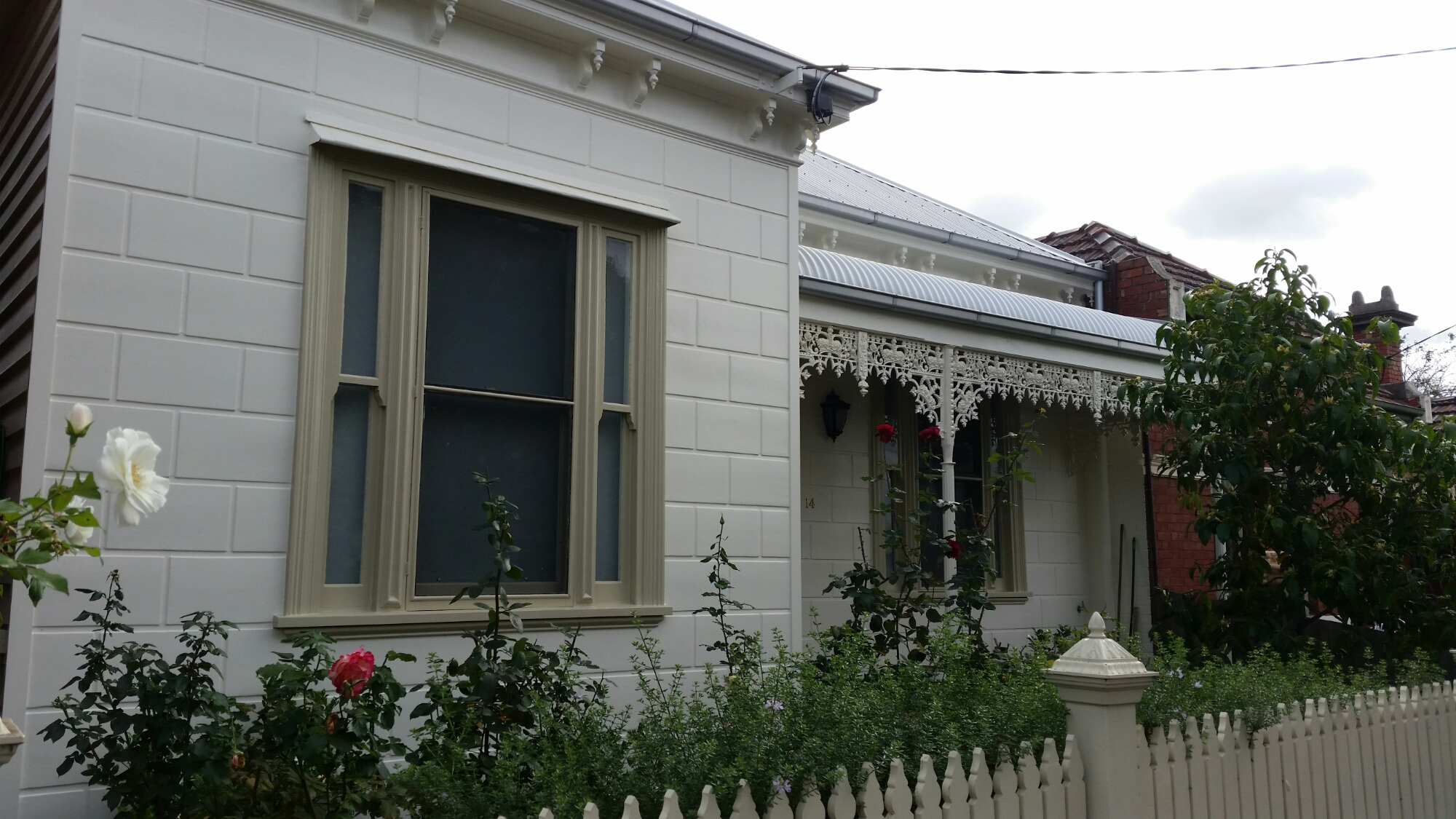 painting weatherboards in winter